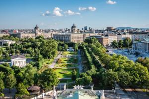 Wien_Blick auf den Volksgarten, Museen und Parlament